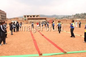 Deux équipes de Nzango s'affrontent au stade Matokeo de Butembo. Photo: NURPHOTO (Fiston Mahamba)